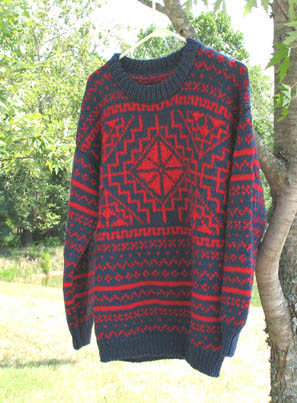 Sweater Red w Blue pattern